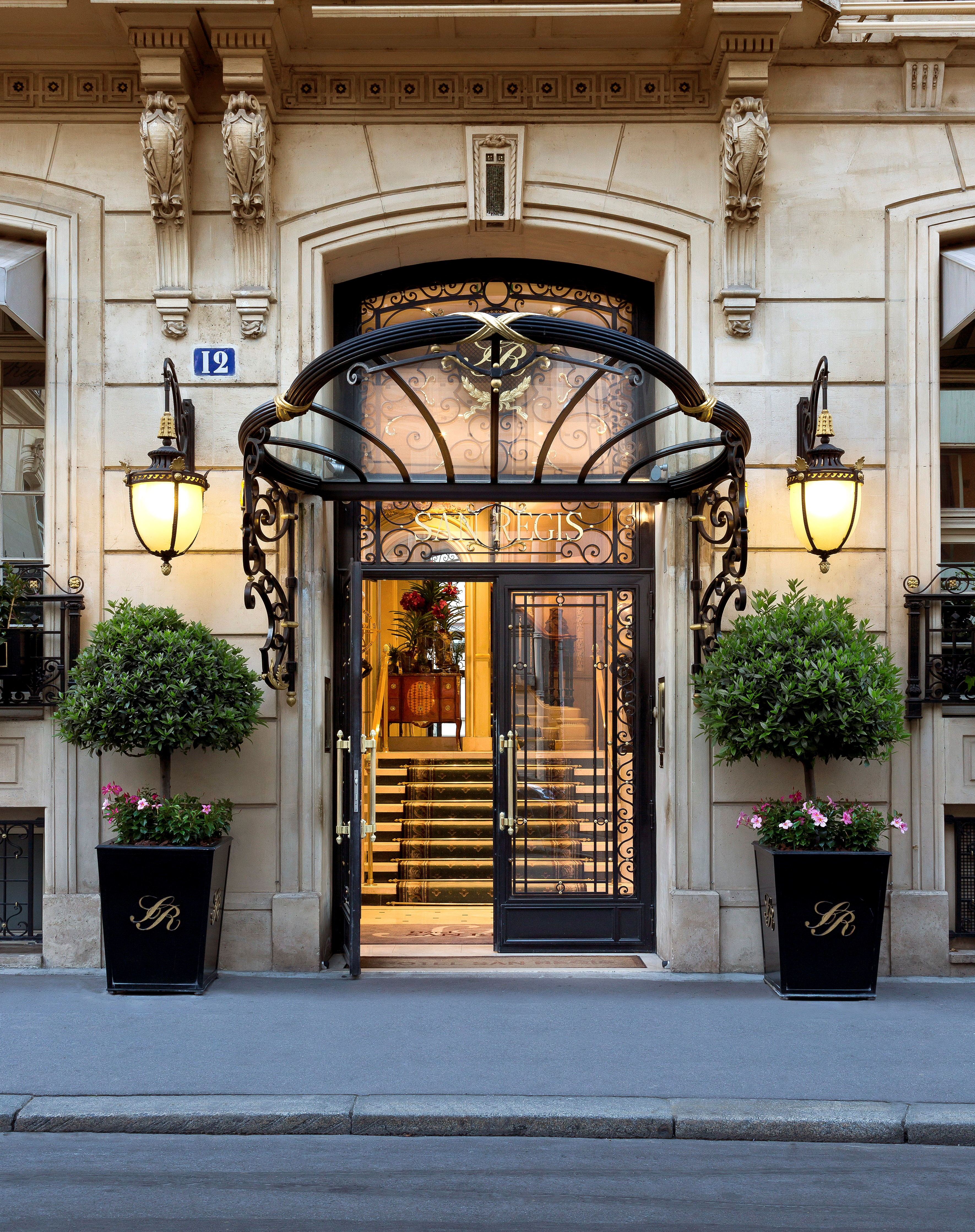 The hotel san r gis paris france luxecoliving 39 s best for Luxury hotels paris france